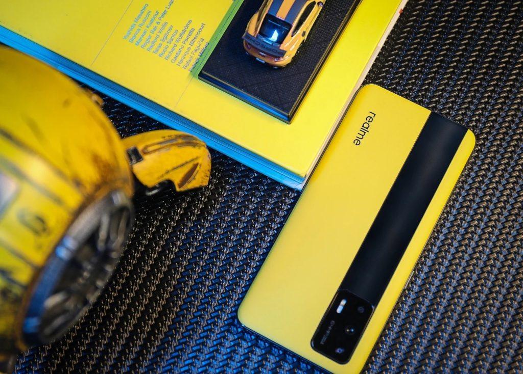 realme GT 5G akan menjadi telefon pintar dengan cip Snapdragon 888 termurah dipasaran 10