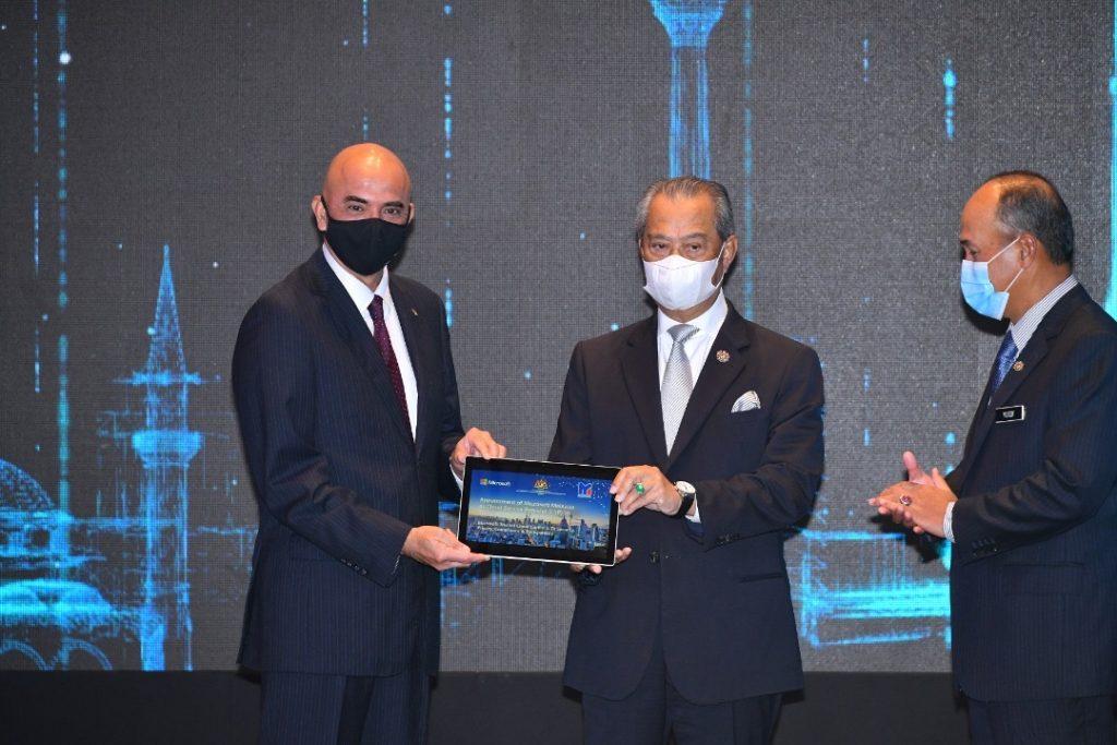 """Microsoft umum pembangunan pusat data serantau pertama di Malaysia sebagai sebahagian inisiatif """"Bersama Malaysia"""" 9"""