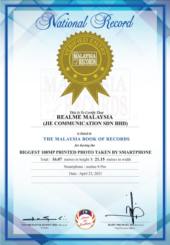 realme catat nama didalam The Malaysia Book of Records kerana memiliki cetakan gambar 108MP terbesar dari sebuah telefon pintar 11