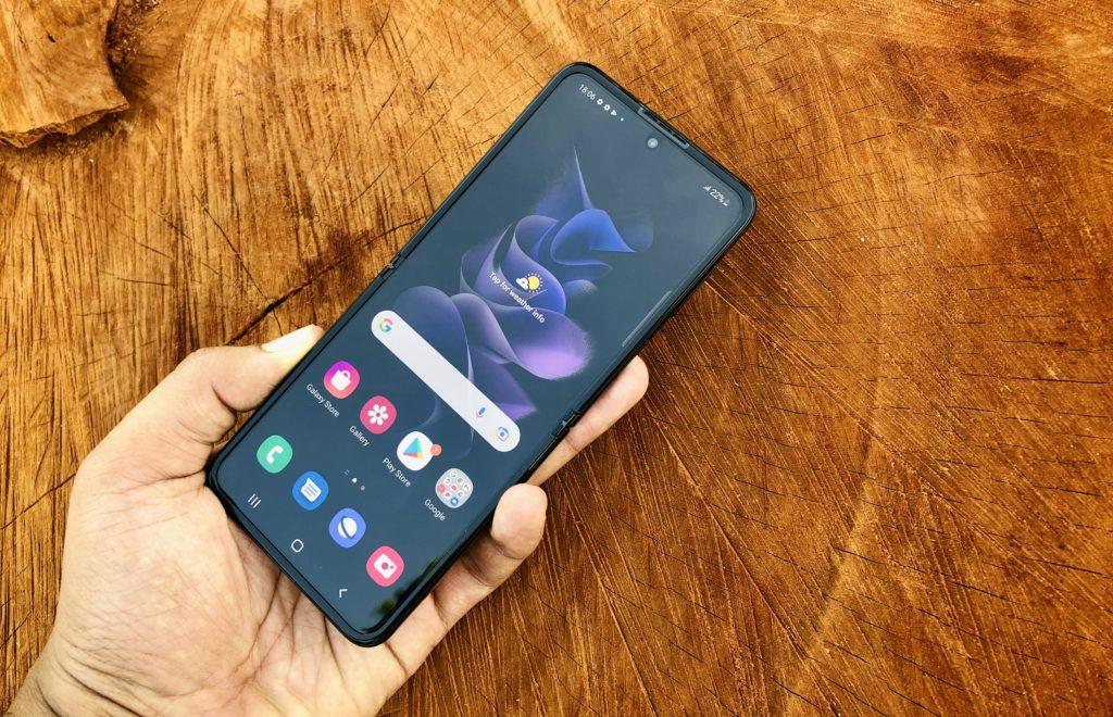 ULASAN : Samsung Galaxy Z Flip3 5G - Telefon Pintar Foldable Lebih Lasak & Lebih Mampu Milik 106