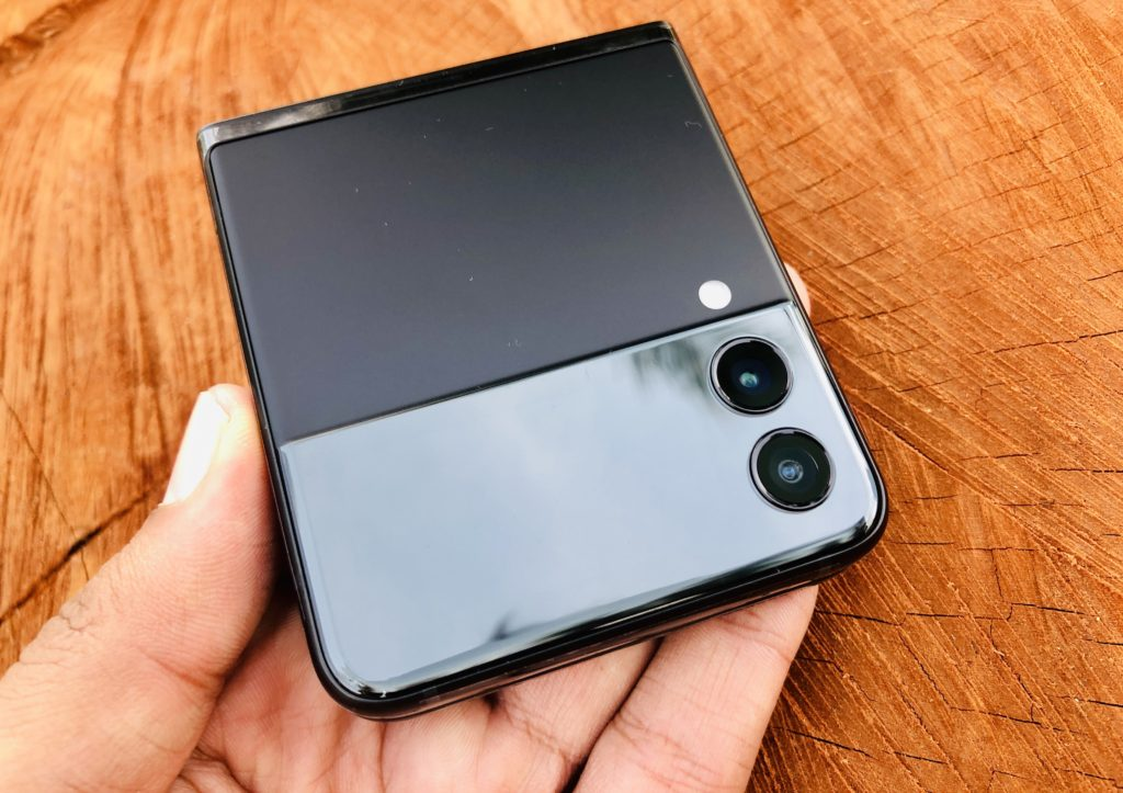 ULASAN : Samsung Galaxy Z Flip3 5G - Telefon Pintar Foldable Lebih Lasak & Lebih Mampu Milik 78