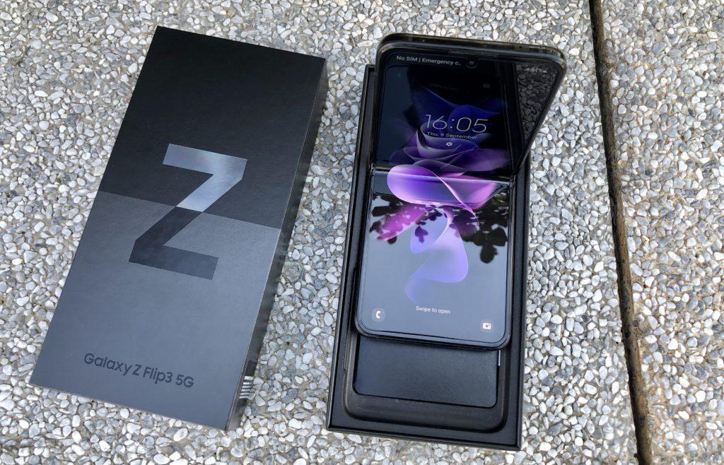 Pandangan Pertama Samsung Galaxy Z Flip3 5G - Telefon Pintar Foldable Untuk Semua 19
