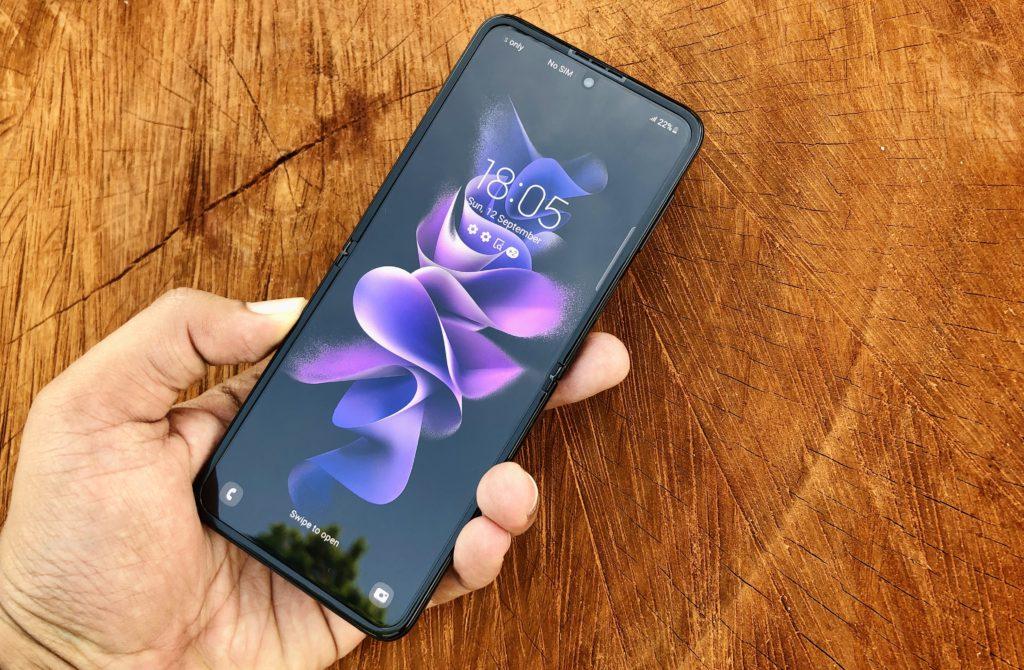 ULASAN : Samsung Galaxy Z Flip3 5G - Telefon Pintar Foldable Lebih Lasak & Lebih Mampu Milik 68